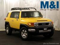 ONE OWNER FJ CRUISER! RARE COLOR COMBO! WHITE TOP!