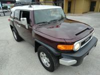 TWO OWNER 2007 TOYOTA FJ CRUISER 4WD V6 WITH 148 K MILE