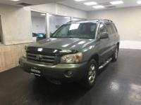 This outstanding example of a 2007 Toyota Highlander
