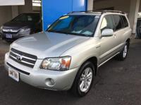 This 2007 Toyota Highlander Hybrid Limited w/3rd Row is