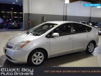 HYBRID, NAVIGATION, LEATHER INTERIOR, BACK-UP CAMERA,