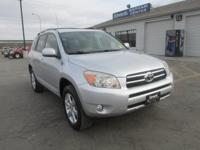 Clean AutoCheck and One Owner. 4D Sport Utility, FWD,