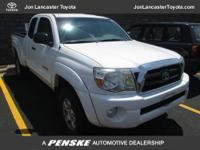 This 2007 Toyota Tacoma 4WD Access V6 AT 4x4 Truck