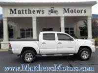 **2007 TOYOTA TACOMA SR5 DOUBLE CAB**4X4**LOCAL TRADE