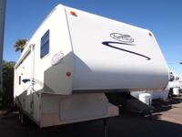 The ideal lite-Weight 5th Wheel with all the