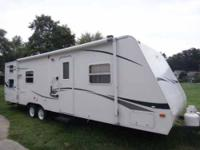 2007 Transport M27 Travel Trailer This is a 27 foot
