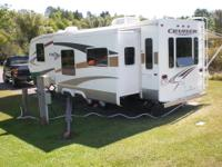 2007 Crossroads Cruiser Travel trailer 31', excellent
