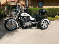 2007 Victory Kingpin with custom Voyager trike kit.