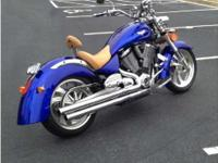 2007 Victory Kingpin. Beautiful custom Victory Kingpin