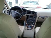 Offering a 2007 volvo s60(white), extremely clean,