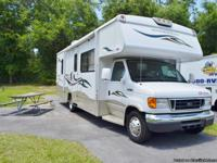 2007 WINNEBAGO OUTLOOK 29B CLASS C, with two