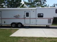 2007 PLAY and work 34FK FIFTH TIRE TOYHAULER. THIS