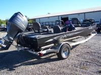 2007 Xpress SV18 BASS 18 ft bass boat powered by a