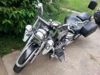 2007 Yamaha V-Star 1100 Classic with guest seat back