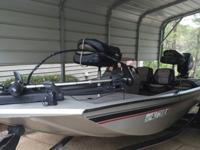 2007 17' Fisher Aluminum bass boat with 40HP Mercury