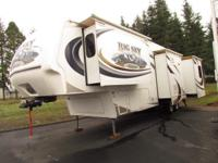 * 2007' 37' BIG SKY MONTANA BY KEYSTONE M-340RLQ * 4
