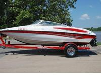 You are viewing a SUPER MINT 2007 Crownline 19SS