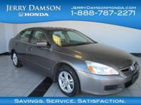 EPA 34 MPG Hwy/26 MPG City! EX trim. Sunroof, Heated