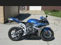 2007 Honda cbr600rr for sale blue and white with 27500