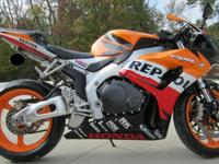 LIKE NEW, adult only ridden, 2007 Honda Repsol !! Mint
