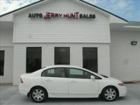 2007 HONDA Civic COUPE Our Location is: Asheboro Honda