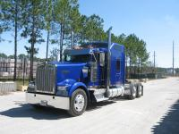2007-KW-W900L Blue with 18 speed trans, the engine is a
