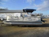 Up for auction is a 2007 Sundance 8522 Sun cruiser 22