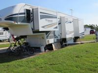 2008 5th wheel titanium trailer 4 slides double pane