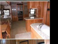 Type of RV: Fifth Wheels Year: 2008 Make: Thor Model: