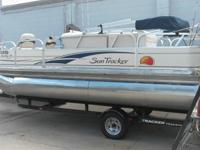 2008 bass tracker pontoon 18ft just utilized 2