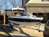 This is a one owner 2008 Bayliner 195. The bimini