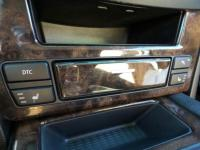 Bluetooth, Multi-Zone Air Conditioning, Auto Climate