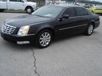 Exterior Color: black, Body: Sedan, Engine: 4.6L V8 32V