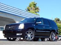 This 2008 Cadillac Escalade 4dr AWD features a 6.2L V8