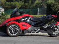 208 Can Am Spyder GS SE5. Red with black trim. New