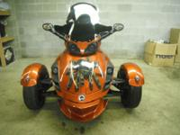 2008 CUSTOM CAN AM SPYDER SM5. THIS SPYDER IS ONE OF A