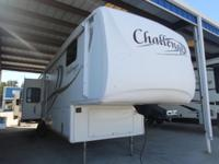 2008 CHALLENGER FIFTH WHEEL REAR LIVING CONVENIENCE