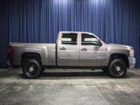 Clean Carfax 4x4 Duramax Turbo Diesel Truck!  Options: