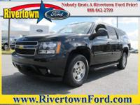This 2008 Chevrolet Suburban 2WD 4dr 1500 LT w/2LT is