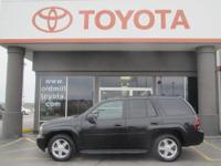 JUST TRADED, 4WD, ALLOY WHEELS, CLEAN CARFAX, LEATHER