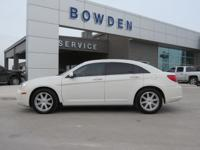 2008 CHRYSLER SEBRING 4dr Car TOUR. Our Location is: