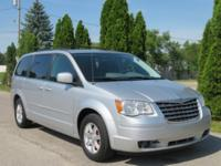 Bright Silver Metallic 2008 Chrysler Town & Country