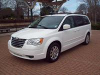 2008 CHRYSLER TOWN AND COUNTRY LWB TOURING 7-PASSENGER