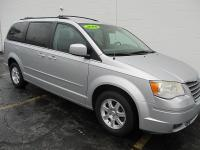 Options:  2008 Chrysler Town & Country 4D Wagon