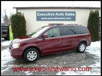 Clean Carfax! Local trade! 2008 Chrysler Town & Country