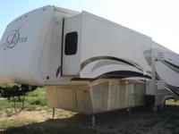 2008 DRV Mobile Suites 36SB3, 3 Slides,, 2 TVs, Fresh