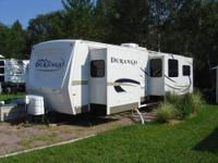 2008 LUXURY TRAVEL TRAILER/LOADED WITH ALL FACTORY