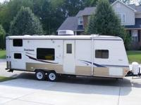 2008 Dutchman Lite 27B that is in excellent condition.