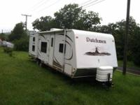 2008 Dutchmen 28BGS Travel Trailer A like new 2008