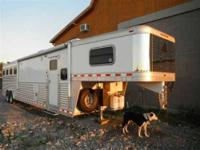 2008 Elite 4 Horse Trailer Toy Hauler Very Nice trailer
